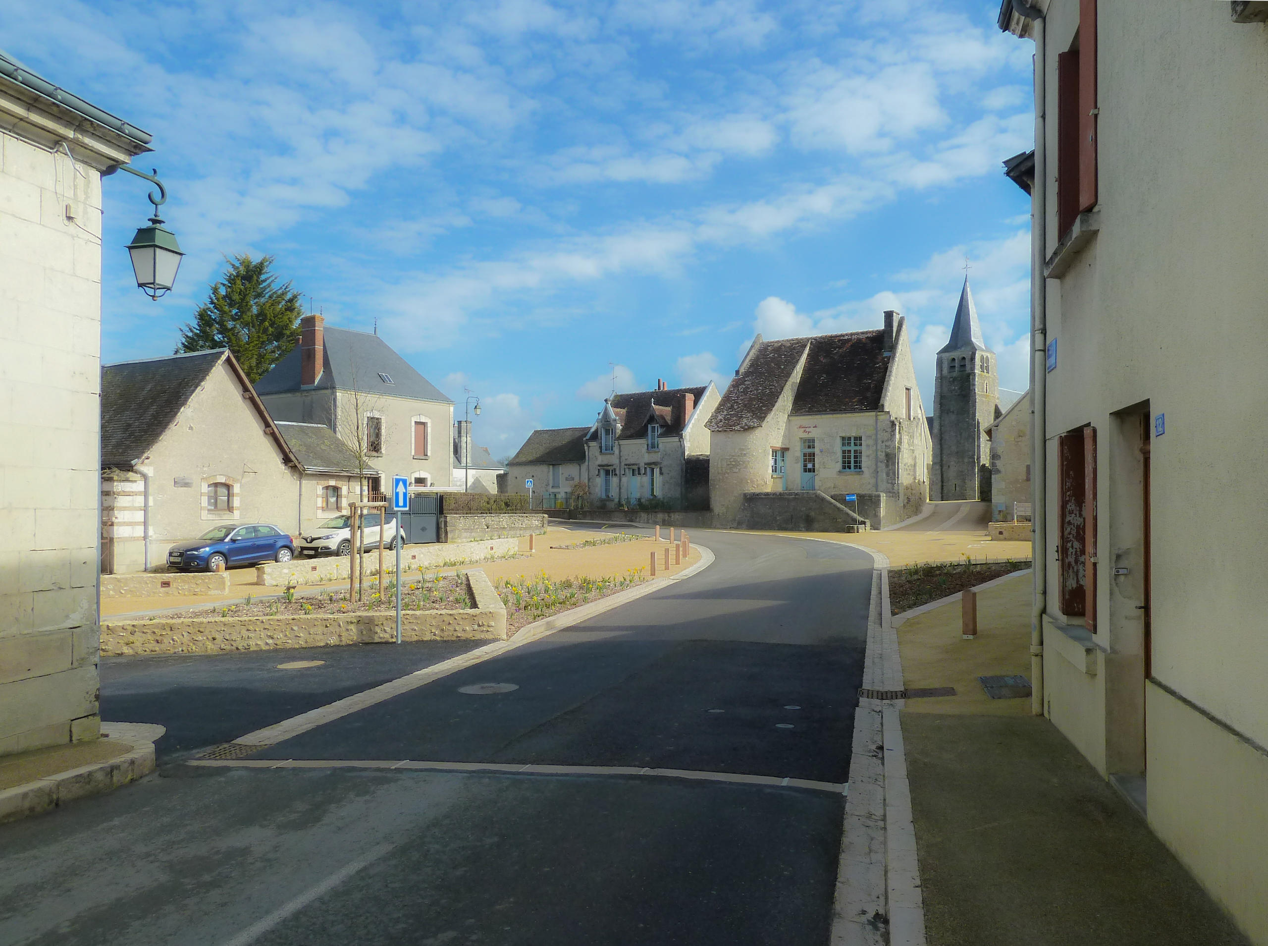 Place mairie-traversee agglomeration-Louroux